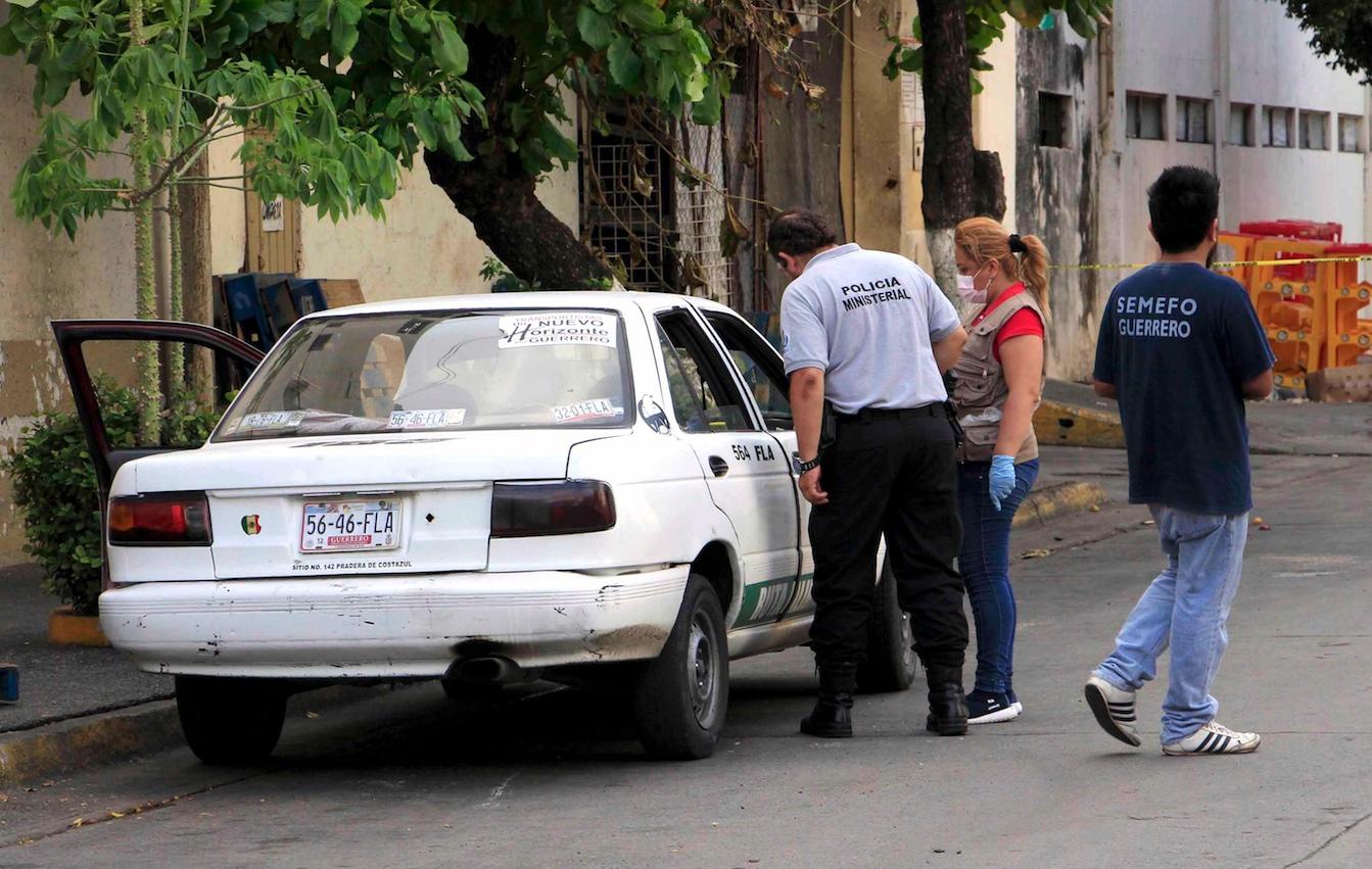 Resultado de imagen para matan a taxista ruta alimentadora acapulco costa azul